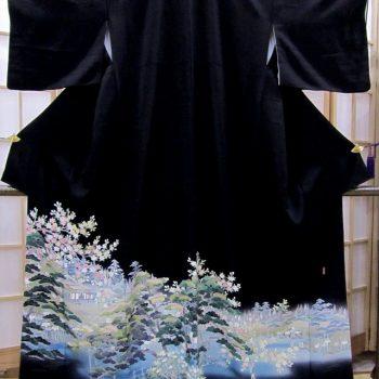 黒留袖 岡村蒼風作 上品に彩る桜に松の風景